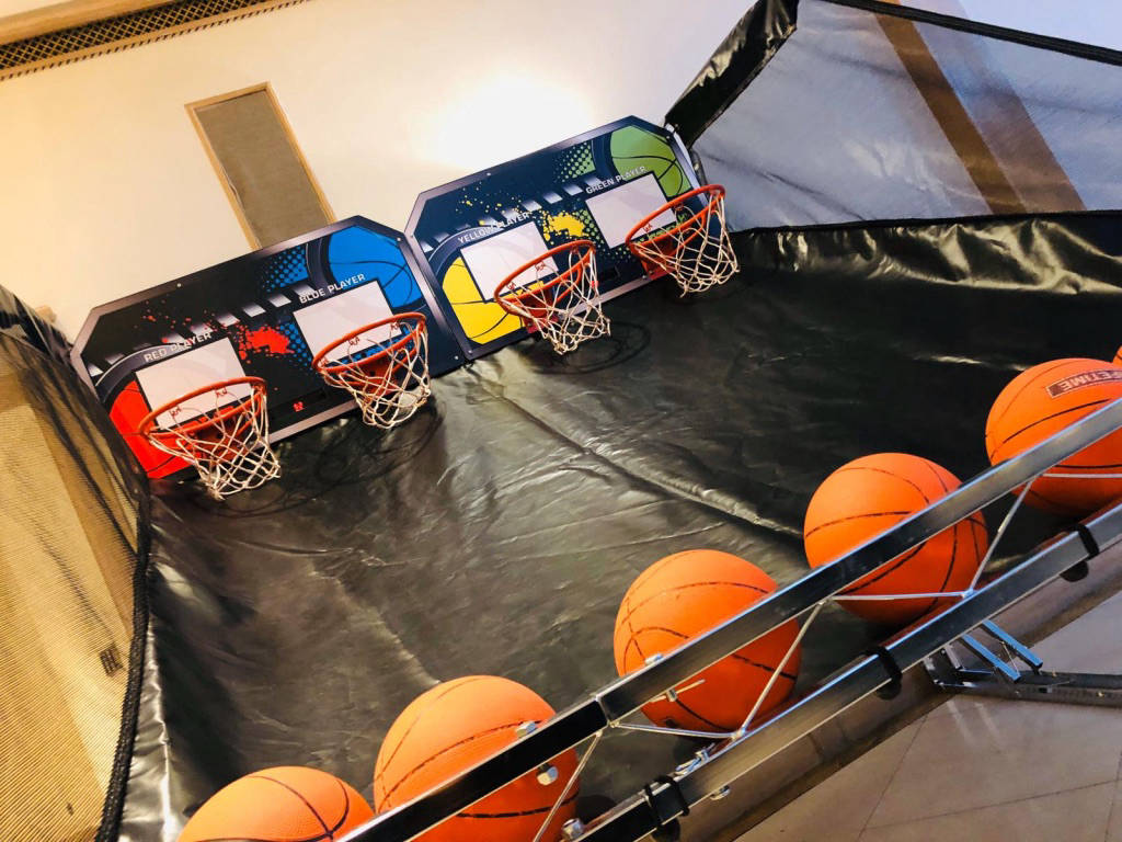 4 player basketball game for hire