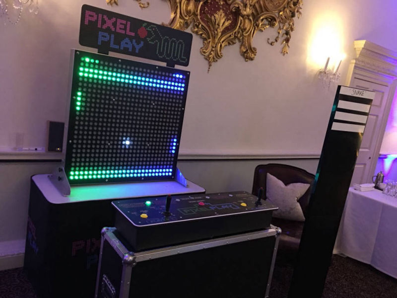 Pixel paddles giant pong game hire