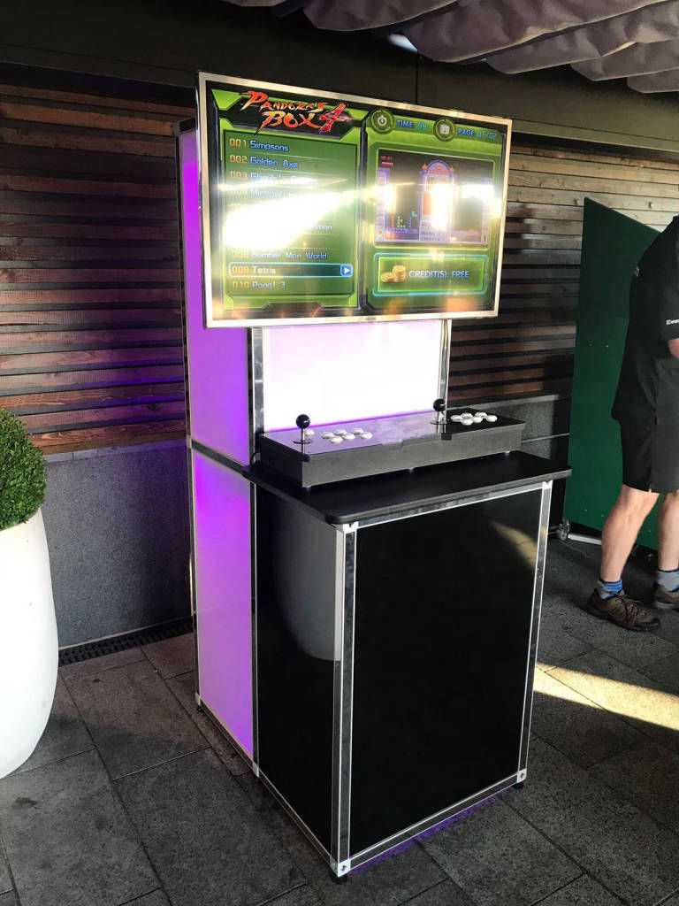Retro arcade games hire