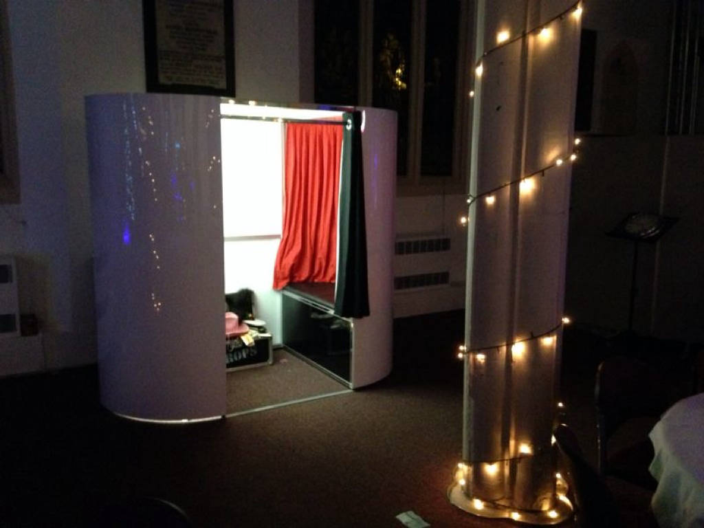 Combination photo and video booth